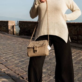 Handmade-Handbag,-Gold-bag,-Luxury-Bag,--Crocheted-Bag-feature
