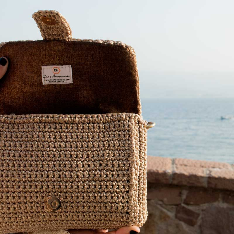 Handmade-Handbag,-Gold-bag,-Luxury-Bag,--Crocheted-Bag-feature